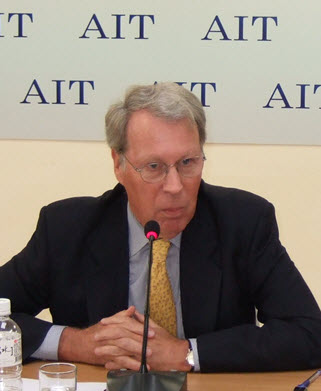 Chairman Raymond Burghardt, AIT Press Conference Taipei, March 18, 2009  (Photo: AIT)